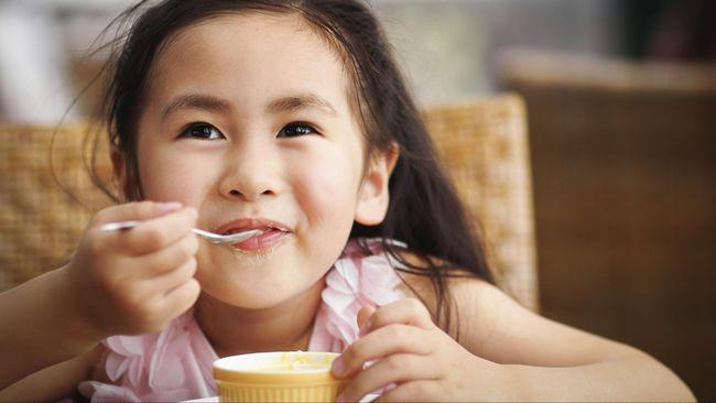Siswa Tergesa Makan Siang Lebih Mungkin Memilih Junk Food