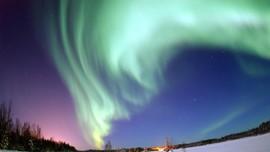 Ilmuwan Tangkap Cahaya Aurora di Luar Angkasa
