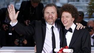 Sutradara Akui 'United Passions' FIFA sebagai Bencana