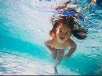 Olahraga air lainnya adalah aerobik air. Olahraga ini bermanfaat untuk melatih keseimbangan dan menjaga kadar gula darah. (Foto: Thinkstock)