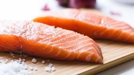 Menjawab Penasaran akan Gumpalan Putih pada Daging Salmon