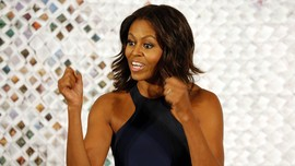 Michelle Obama Tersentuh Pengalaman Menulis Buku