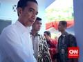 Jokowi Bagikan Langsung KIS di Magelang