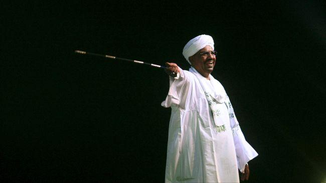 Disebut Mundur, Militer Sudan Tangkap Presiden Omar al-Bashir