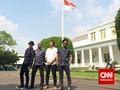 Diundang Jokowi, Bimbim cs Bawa Hadiah Batik Slank