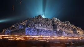Keramaian Candi Borobudur Saat Perayaan Tri Hari Suci Waisak