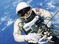 NASA Eksplorasi Antariksa dengan Kacamata Hologram