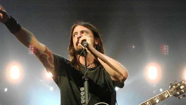 Dave Grohl Ajak Sang Putri Duet di Panggung 'Foo Fighters'