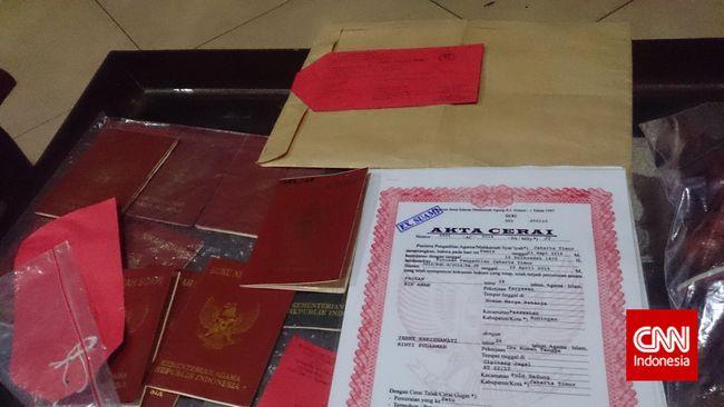 Ancaman Pidana Mengintai Pengguna Buku Nikah Palsu