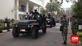 Iring-iringan pasukan gabungan TNI seusai melumpuhkan teroris di Hotel Borobudur dalam rangka latihan penangulangan teror (Gultor), Jakarta, Selasa, 9 Juni 2015. (CNN Indonesia/Adhi Wicaksono)