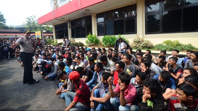 Tim Anti-Bandit Tangkap 153 Preman di Surabaya