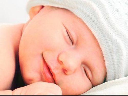 Lelah Bermain Bikin Anak Mengigau Saat Tidur
