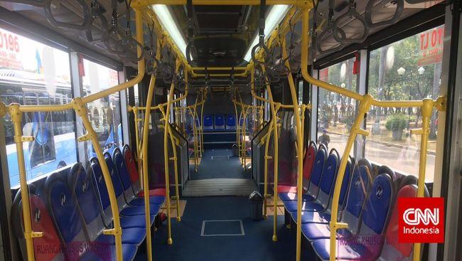 Ahok Sebut Banyak Pihak Ingin Jatuhkan Bus Scania