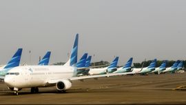 32 Penerbangan Garuda Batal Terbang Akibat Gunung Raung