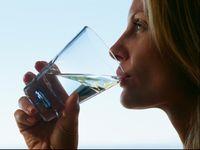 Cairan oralit adalah minuman pertolongan pertama terbaik untuk dehidrasi akibat diare.
