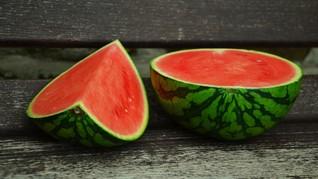 3 Cara Mudah Memilih Semangka yang Matang