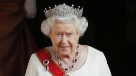 Cara 'Ajaib' Ratu Elizabeth II Saat Makan Pisang