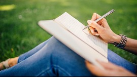 Membuka Hati dengan Menulis Surat Cinta