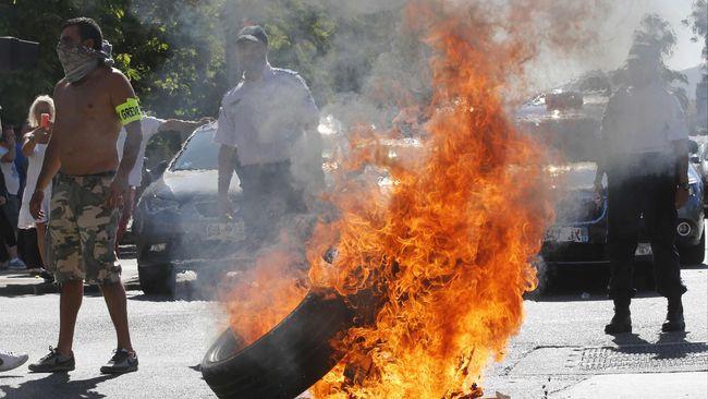 Protes Uber di Meksiko Berujung Rusuh
