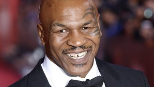Mike Tyson Dibuat Kesal dengan Telur Pesaing Kylie Jenner