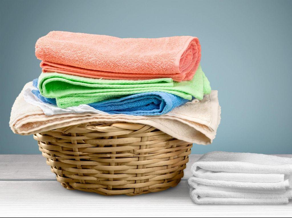 Penyebab Handuk Terasa Kasar dan Cara Mencuci agar Kainnya Tetap Halus