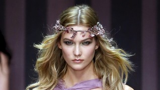 Karlie Kloss Pilih Jadi Feminis ketimbang 'Bidadari'
