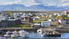 'Alam Islandia Indah, Kami Tidak Perlu Terapi Psikologi'