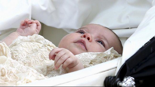 Baju Baptis Putri Charlotte Penuh Sejarah Kerajaan Inggris