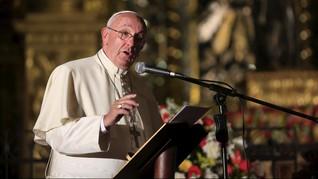 Paus Fransiskus Kecam Eksistensi Sampah Plastik di Lautan