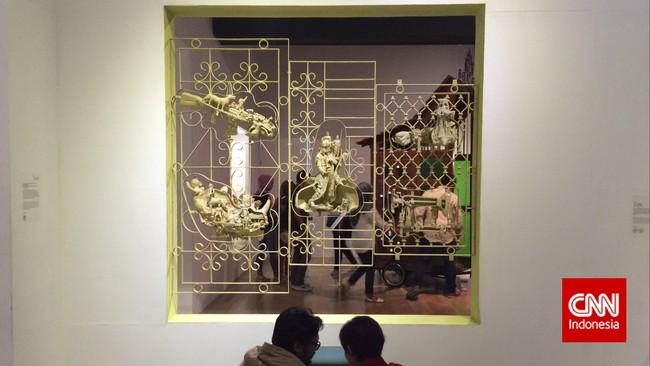 Karya Hendra Priyadhani dan Rendermen Videodengan judulAssemblage dalam pameran ArtJog 2015. Penggunaan barang bekas nyatanya juga mampu menjadi karya seni yang indah.