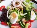 Waspada Kalori 'Menu Sehat' di Restoran Cepat Saji