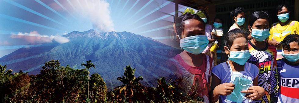 Gunung Raung Batuk Bikin Takluk