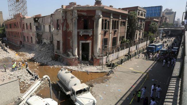 ISIS Klaim Pengeboman Konsulat Italia di Kairo