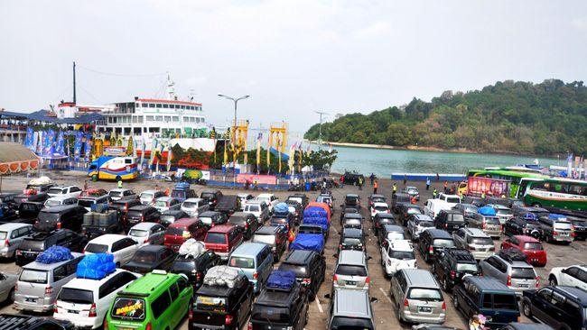 ASDP: Malam Ini, Pelabuhan Gilimanuk dan Merak Padat Pemudik