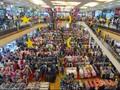 Mal Jadi Pelarian Warga Perkotaan Saat Liburan Natal