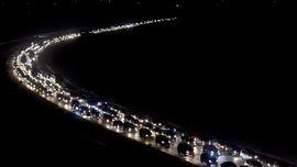 Kemacetan Arus Balik, Cipularang-Cikampek 4 Jam