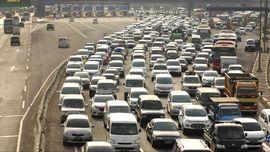 Pintu Tol Keluar Cileunyi Bandung Macet 2 KM Lebih