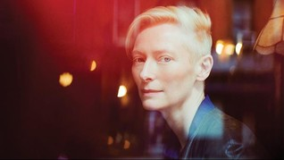 Jadi Pria di 'Suspiria', Aktris Inggris Pakai Kemaluan Palsu