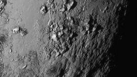 Dilihat dari Dekat, Ada Gunung Es di Planet Pluto