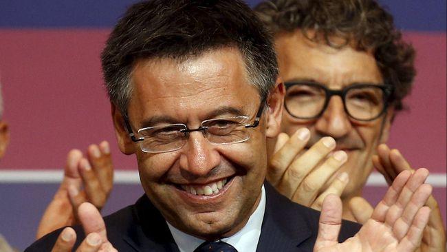 Tom Browne Jadi Desainer Busana Resmi Klub Bola Barcelona