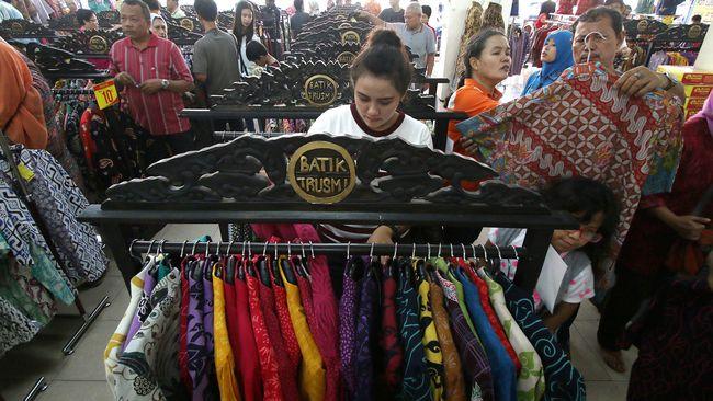 Merayakan Hari Batik Nasional di Kampung Trusmi