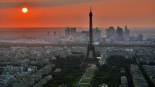 Alasan Pukul 1 Pagi Waktu Spesial Nikmati Menara Eiffel