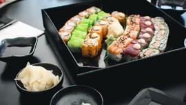 6 Tips Enak Makan Sushi yang Paling Sehat