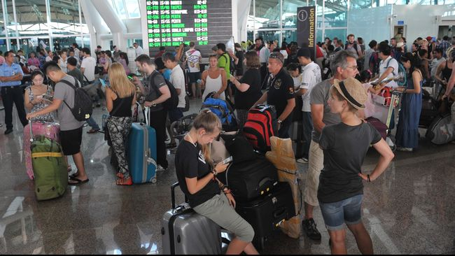 Abu Raung Menyebar: Dua Bandara Ditutup, Ngurah Rai Dibuka