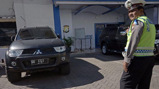 Pajero Sport 'Jadul' Siap Dikoprek Siswa SMK