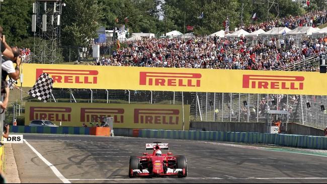 Di sisi lain, rekan Raikkonen, Sebastian Vettel berhasil menjuarai GP Hungaria. Itu menjadi kemenangan keduanya dalam seri GP tahun ini. (REUTERS/Ronald Zak)