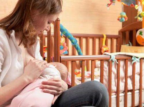 Alasan Berat Badan Ibu Bisa Turun Saat Menyusui