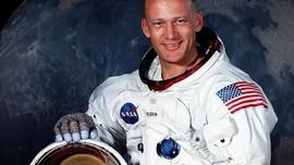 Pakai Facebook Live, Mantan Astronaut Kenang Apollo 11