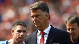 Manchester United Pecat Louis van Gaal