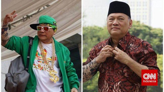 Gaya Gubernur Bank Indonesia Berdandan 'Rapper'